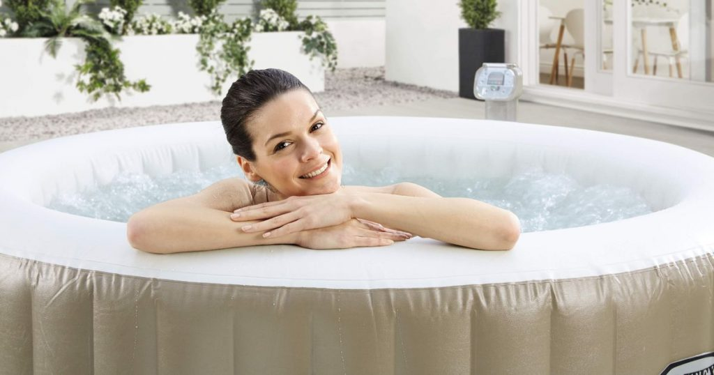 best time to buy hot tubs